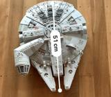 Star Wars - Large Millennium Falcon and extras