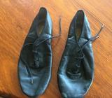 Bloch size 6 split sole leather dancing shoes