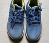 Children Boy's Adidas Sports Shoes Size US 2 (UK 1.5)