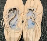 Bloch leather ballet shoes 5 c